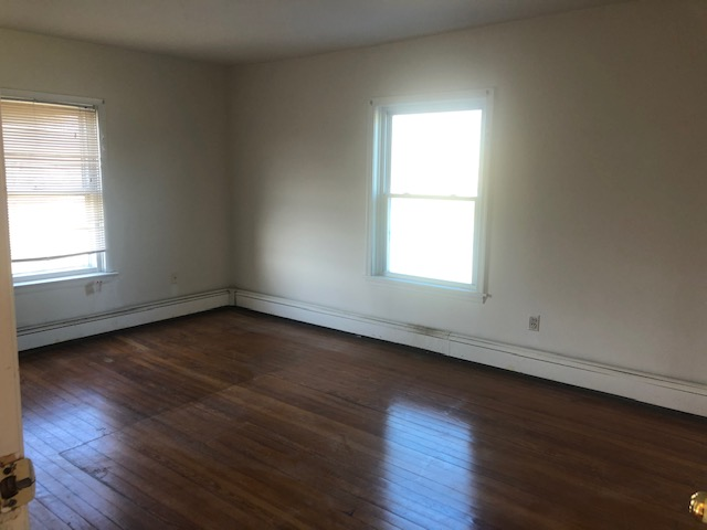 729 Valley Rd, Hockessin, Delaware 19707, 4 Rooms Rooms,1 BathroomBathrooms,House,For Rent,Valley Rd,1098